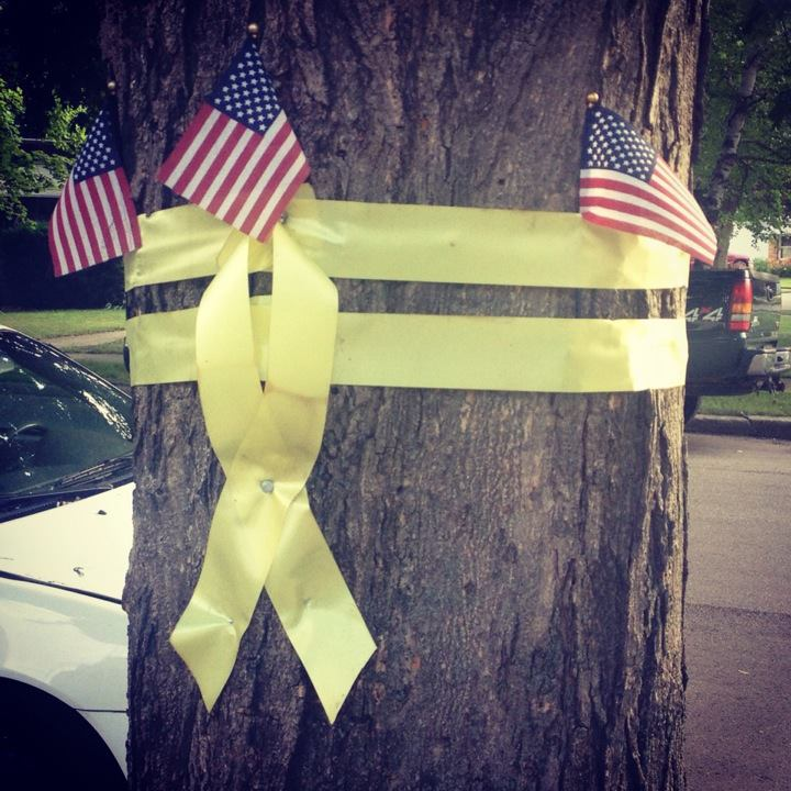 Double yellow ribbon